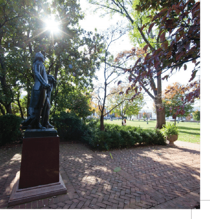 Statue of Thomas Jefferson at UVa.