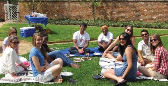 Study Abroad students at UVa Grounds